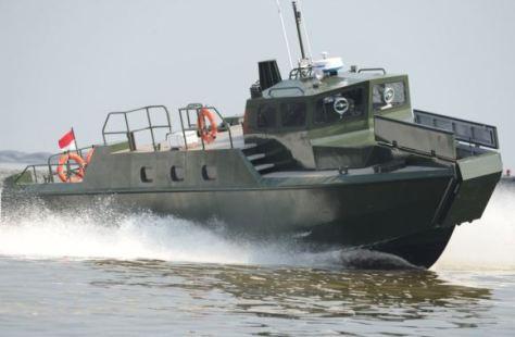 Kapal kmc komando TNI AD