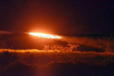 marinir-laksanakan-uji-coba-roket-mlrs-kal-122-mm-vampire-0ge_highres