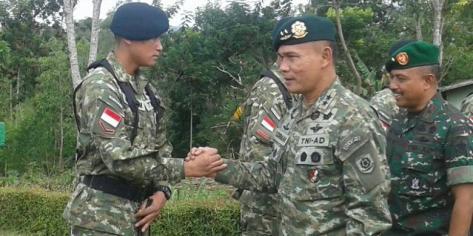 Panglima Divisi Infanteri I Kostrad Mayjen TNI Sudirman