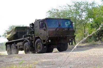 Uji fungsi MLRS RM 70 Vampir beserta kendaraan Aligator dan Tatrapan (all photos Korps Marinir) 4