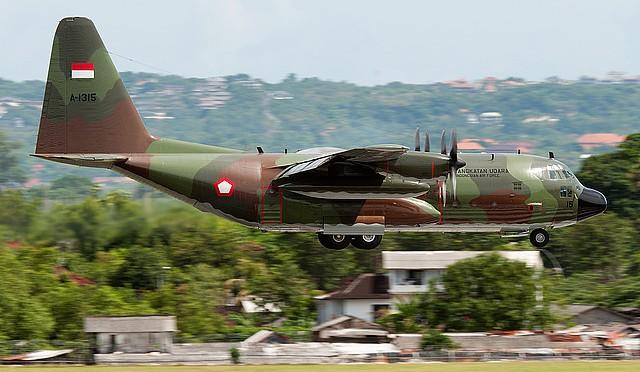 Kasau Berikan Penghargaan Well Done Bagi 10 Crew C-130 Hercules A-1314