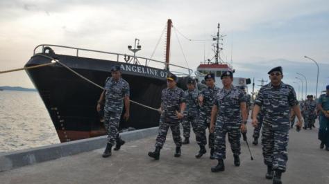 panglima-armabar-tni-al-berkunjung-ke-mentigi-bintan-melihat-fasilitas-perbaikan-kapal-perang-selasa-692016