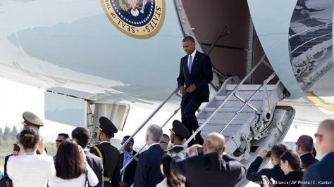Presiden AS Barack Obama harus menggunakan pintu belakang saat tiba di bandar udara Hangzhou