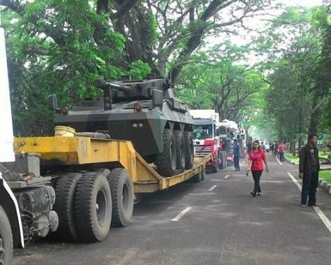 indo-defence-2016-badak-6x6