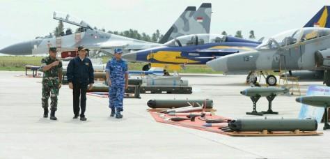sukhoi-tni-au-dan-presiden-joko-widodo-dalam-angkasa-yudha-2016-5