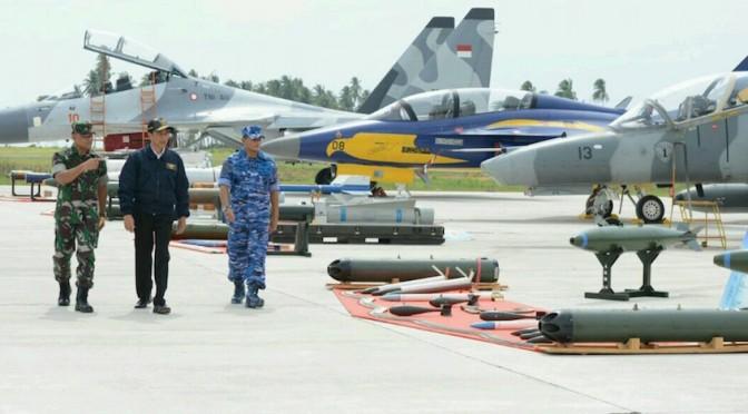 Presiden Perlu Mengevaluasi Sektor Pertahanan