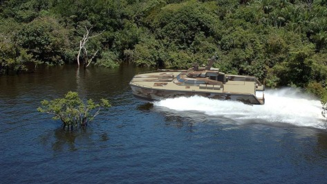 tank-boat-x-18-lundin-pindad-lundin-lci-1