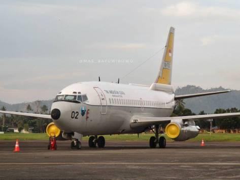 boeing-737-200-2x9-surveillance-ai-7302-sam-ratulangi-intl-airport-bayu-agus-wibowo