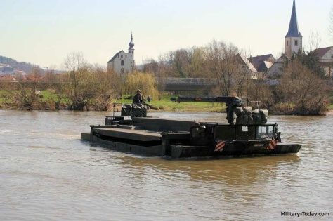 m3-amphibious-rig-military-today-2