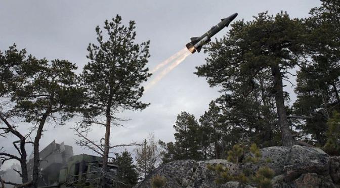 Swedia Aktifkan Kembali Sistem Pertahanan Pesisir RBS15 Berbasis Mobile