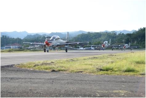 satu-flight-pesawat-super-tucano-tni-au-tiba-di-ambon-tni-au