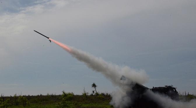 Tiga Menteri Lihat Roket Pesanan Kementerian Pertahanan