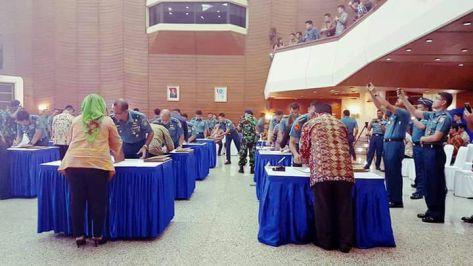 tni-al-laksanakan-penandatanganan-kontrak-dengan-penyedia-barang-dan-jasa