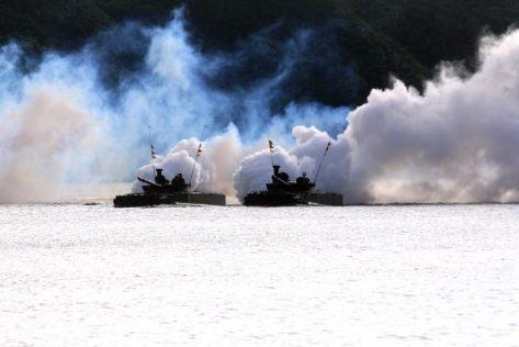 bmp-3f-pendaratan-amphibi-akhiri-aks-tni-al-2017