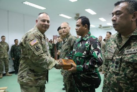 vice-admiral-panya-lekbua-tutup-latma-cobra-gold-2017-di-thailand-tni