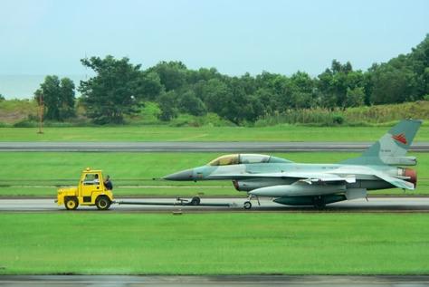 F-16 TS-1603 sebelum mengalami kecelakaan. (Indoflyer)