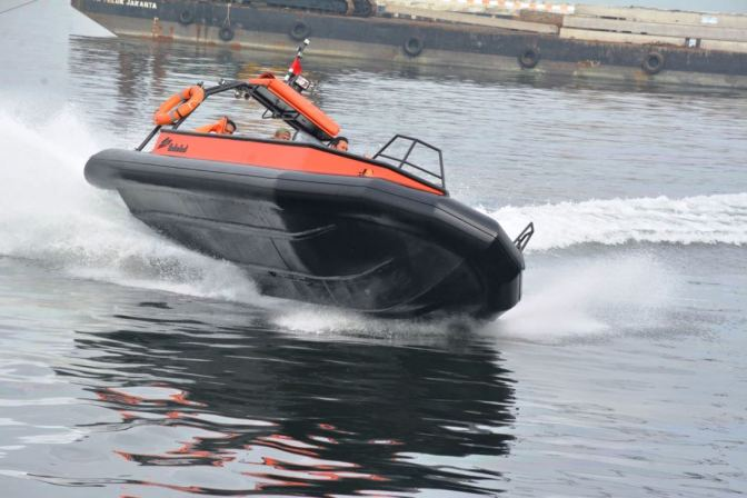 Pangarmabar Saksikan Uji Coba HDPE Boat