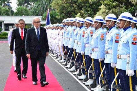 Ryamizard Ryacudu menerima kunjungan kehormatan Menteri Pertahanan Republik Perancis Jean-Yves Le Drian (kemhan)