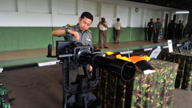 TNI AD Kembangkan Senjata Mesin Multi Laras