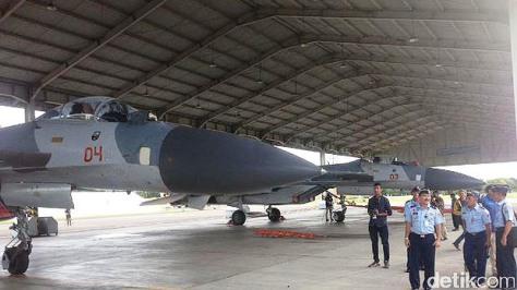 Su-27 TNI AU di Lanud Hasanuddin (detik) 1