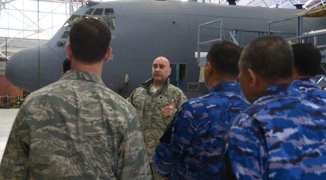 Angkatan Udara Indonesia Kunjungi 106th Rescue Wing Amerika