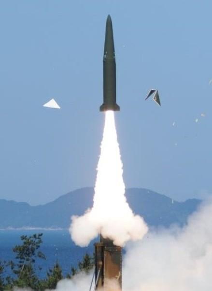 Hyunmoo-2B missile in 2015. (Yonhap) E