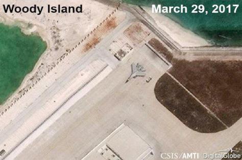 J-11 terlihat parkir di Pulau Woody yang Laut China Selatan. (REUTERS)