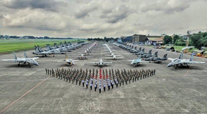 Demo Udara 132 Pesawat Meriahkan HUT TNI-AU