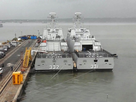 KRI I Gusti Ngurah Rai 332 dan KRI RE Martadinata 331 (defence.pk)