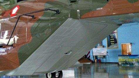 AW-101 nomor ekor H-1001 disimpan di Skadron Teknik 021 Lanud Halim. (defence.pk) 1