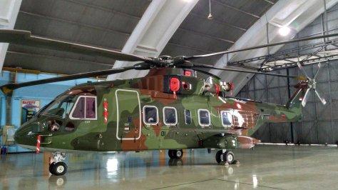 AW-101 nomor ekor H-1001 disimpan di Skadron Teknik 021 Lanud Halim. (defence.pk)