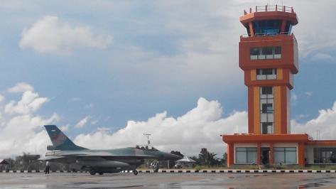 F-16 di Lanud Tarakan (suromenggolo)