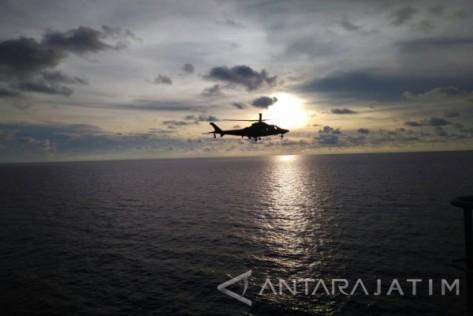 Helikopter Militer Filipina saat mengawal perjalanan SSV ke-2 di wilayah kepulauan Tawi-tawi. (Antara Jatim)