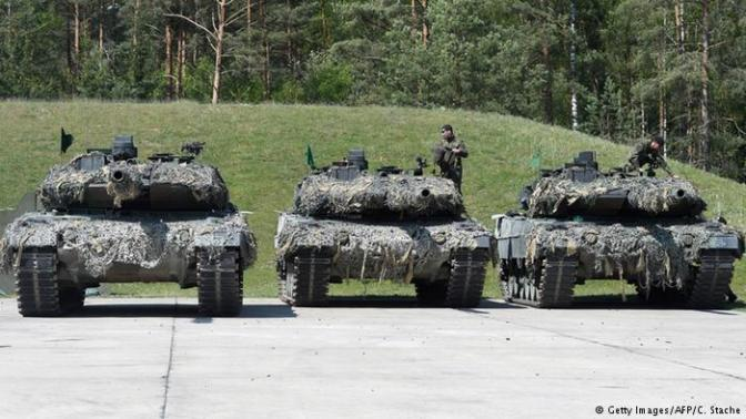 2018, TNI Diperkuat 8 Apache dan 150 Tank