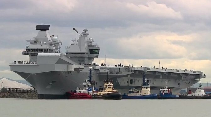Menhan Rusia : Kapal Induk Baru Inggris Hanyalah Sasaran Empuk di Lautan