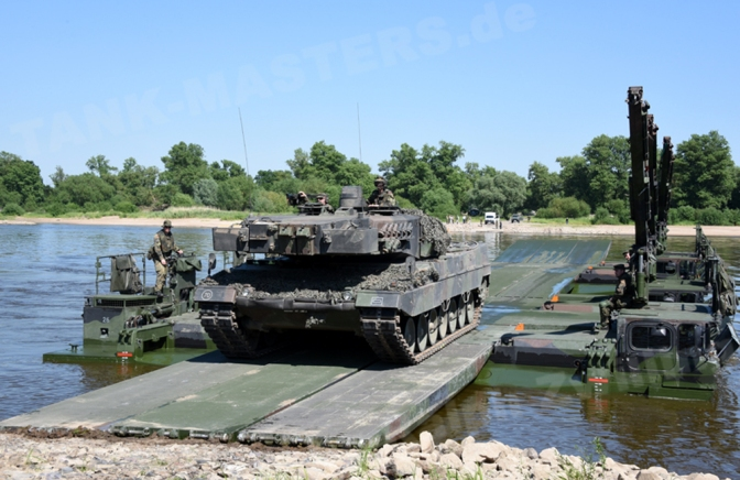 Truk Ponton Raksasa untuk Zeni TNI AD