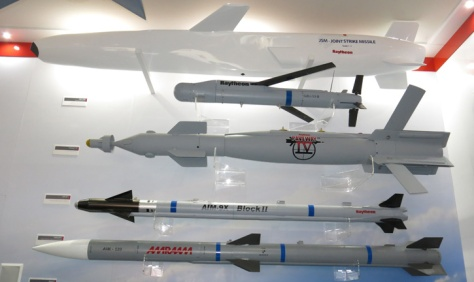 Rudal produksi Raytheon di Paris Air Show 2015. (Defense Update)