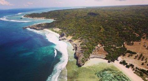 Suasana Pulau Rote, Nusa Teggara Timur dari ketinggian. (BBC)