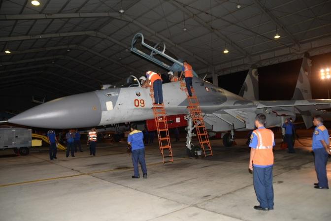 Skadron Udara 11 Berlatih Terbang Subuh