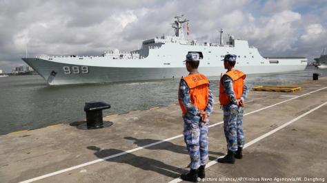 Angkatan Laut Cina siap berangkat ke Djibouti, 11 Juli 2017. (AP)