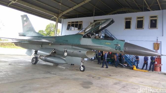 Empat Jet Tempur F-16 Patroli Udara di Aceh