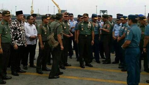 Gatot Nurmantyo Kunjungi Pelabuhan Indah Kiat Merak. (Pos Kota)