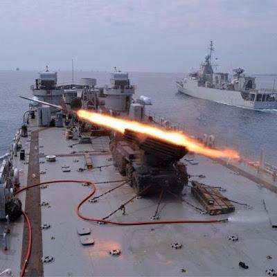 GRAD di atas KRI Teluk Sampit-515 TNI AL (Marinir) 3
