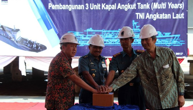 Keel Laying Pembangunan Kapal Angkut Tank TNI AL