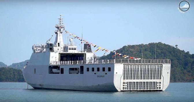 KRI Banjarmasin 592 TNI AL Raih Predikat Kapal Teladan