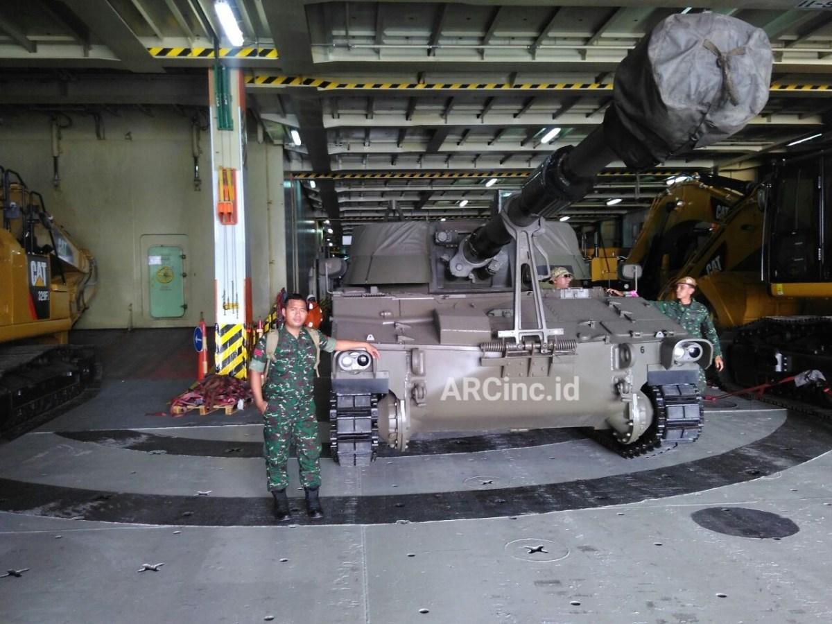 Artileri Swagerak Terbaru TNI AD Tiba di Indonesia