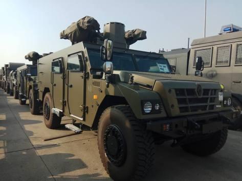 M109A4, Sherpa, dan M113 tiba di Pelabuhan Tanjung Priok (25072017). (defence.pk) 2