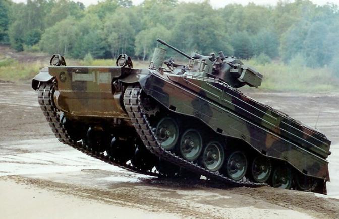 DPR Nilai Angkatan Darat Belum Siap Berubah ke Doktrin Mekanik Infanteri