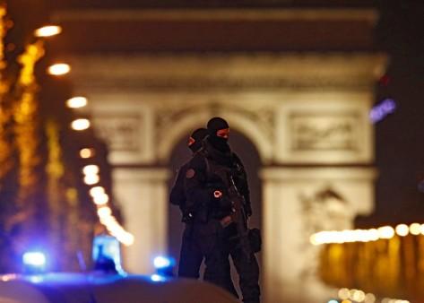 Pencuri Peralatan Militer (Reuters)