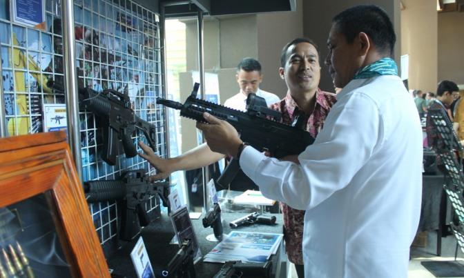 PT Pindad Pangkas Target Penjualan